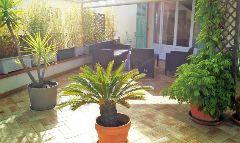Spacious apartment with rooftop of 60 m² - Vallauris - อพาร์ทเมนท์