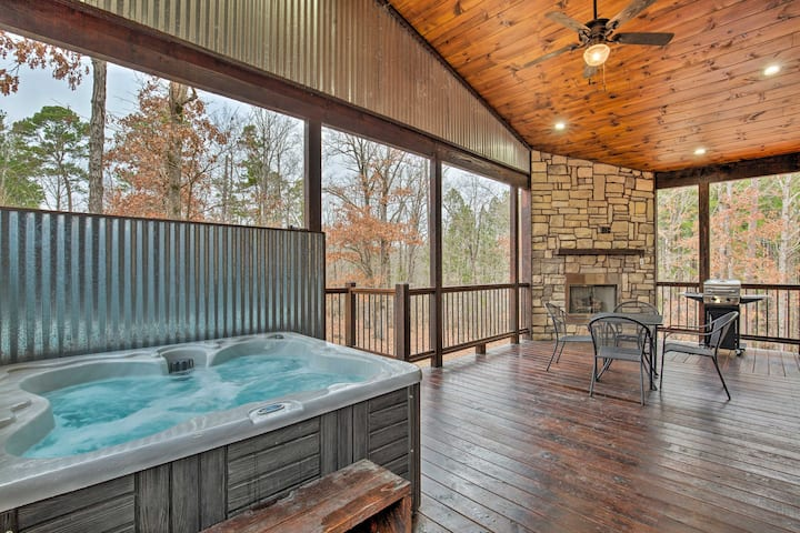 Honeymoon Studio W Hot Tub 7 Mi To Broken Bow Lake Cabins For Rent In Broken Bow Oklahoma United States