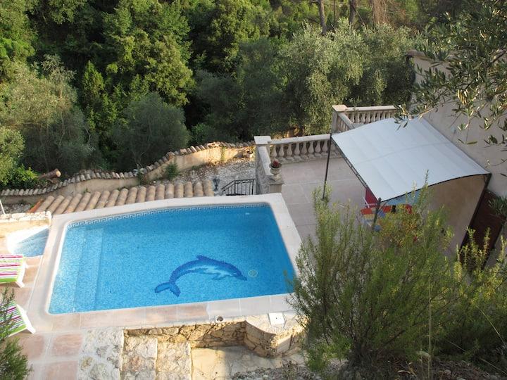 Studio dans villa piscine privée