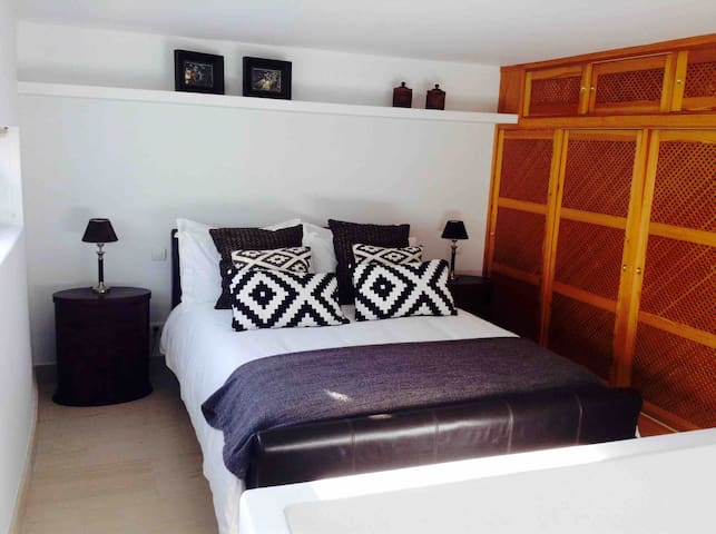 Modern guest accommodation separate from villa
