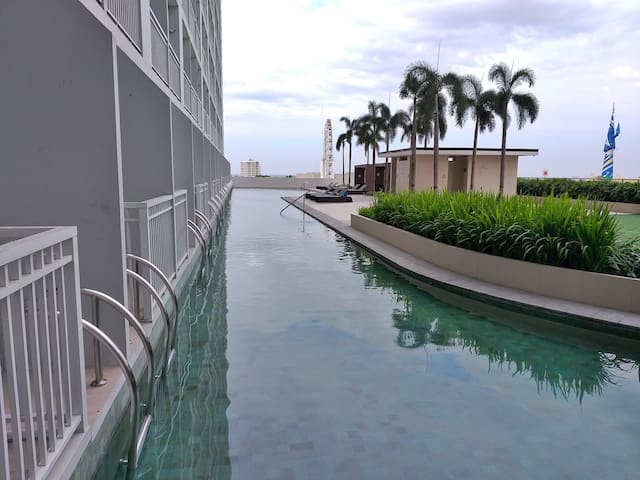 Breeze Residences (37th Floor) - Manila Bay View