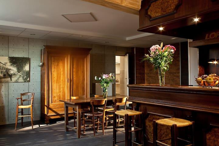 Le Jardin de la Reyssouze b&b - GORREVOD - 家庭式旅館