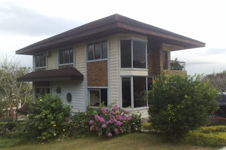 Tagaytay 3 Bedroom House - Canyon - Casa