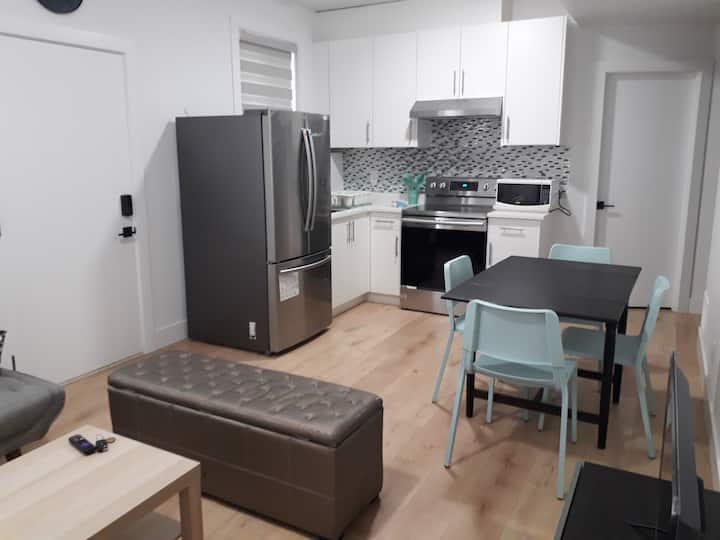 Ground level 2 bdrm suite with everything you need