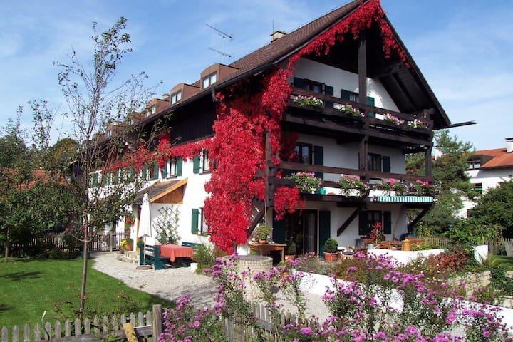 Gemütliche Wohnung mit Seeblick  - Utting am Ammersee - Apartment