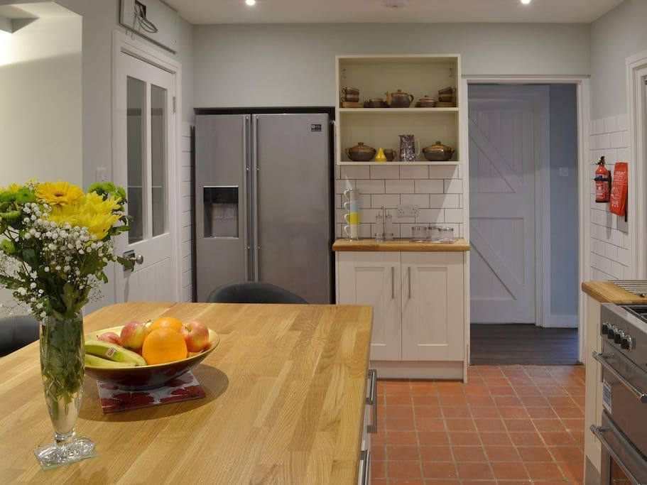 Fully Equipped Kitchen with Large American Fridge Freezer