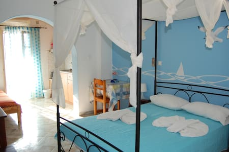 DOUBLE ROOM CLOSE TO AEGIALI BEACH - Αιγιάλη - Overig
