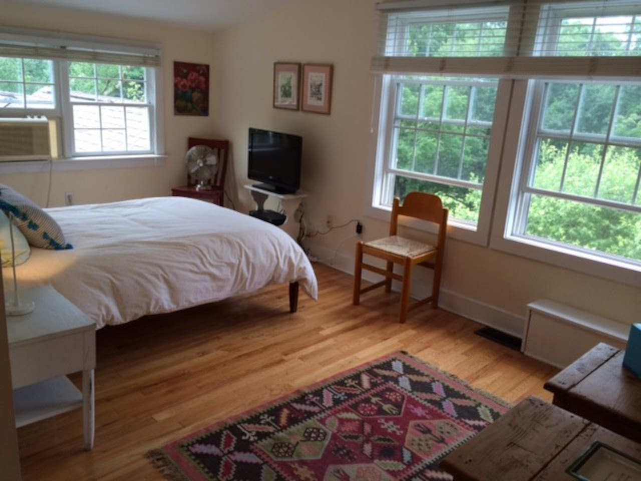 3rd floor suite - another view of bedroom area. Cable TV shown.