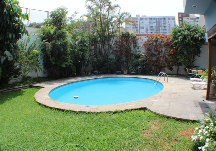 202 Ideal location in San Isidro, luxury Suite