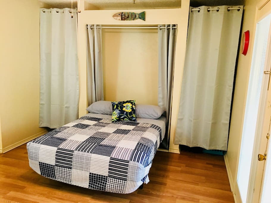 Double murphy bed