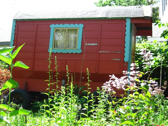 Garden Gypsy Wagon - Minneapolis - Haus