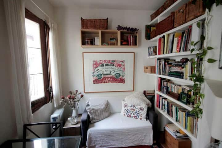 Bright, Beautiful and Cozy one bedroom apartment