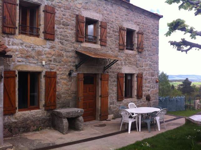 Maison typique lozérienne - Auroux - Casa