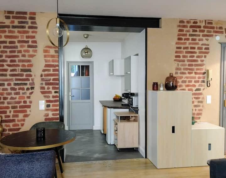 Appartement chaleureux à 5-10min de la Gare