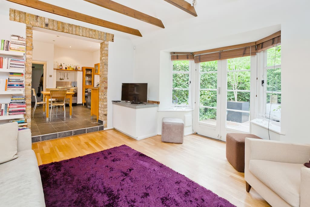Room in modern cottage with garden houses for rent in for Modern garden rooms london