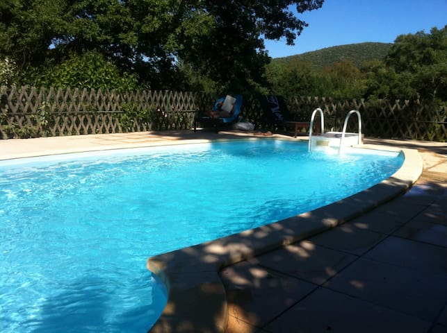 Le Platane - Swimming pool, BBQ, Wifi - Cogolin - Apartemen