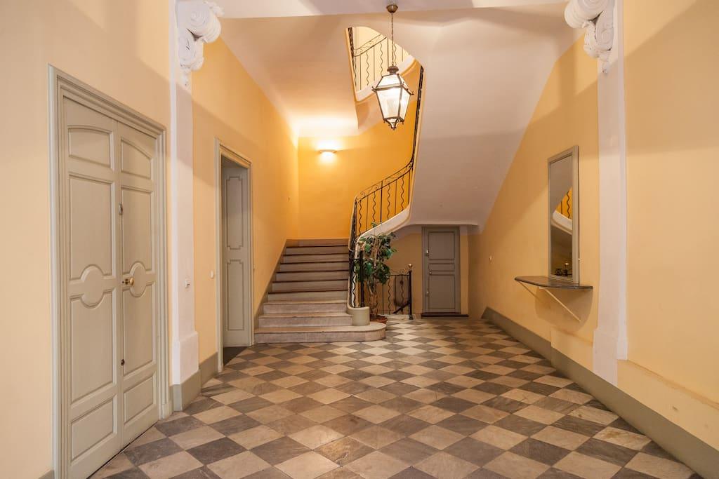 Hall classique du XVII s Damier marbre noir et blanc