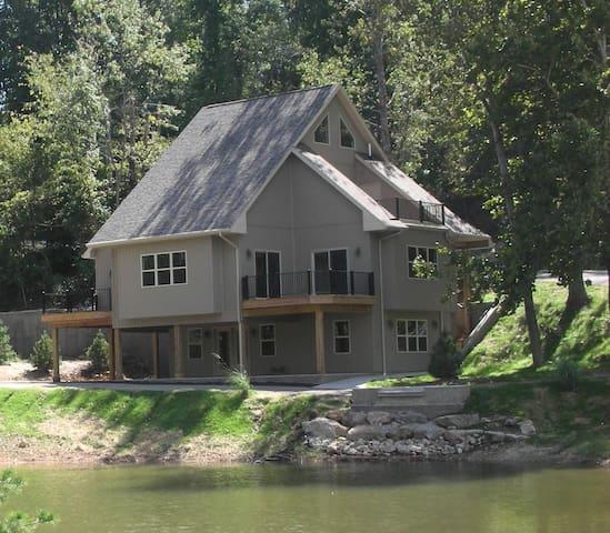 Lakefront Home Sleeps Up To 14 - Lake Ozark - House