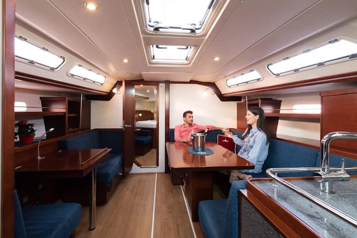 Night on board - Live it with Avanti !