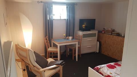 Kleine Souterrain-Wohnung für eine Person