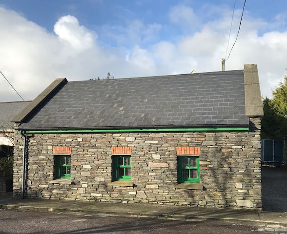 Stone Stables- Short walk to Clonakilty!
