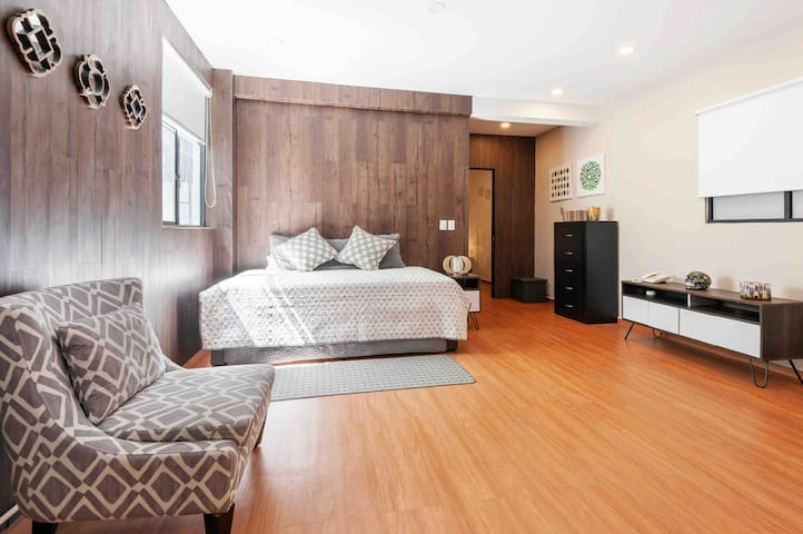 #503 Walk Downtown area!  A/C apartment