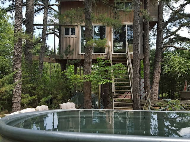 Treehouse, 70 Ac, 70 Animals, Relax, Let Go!