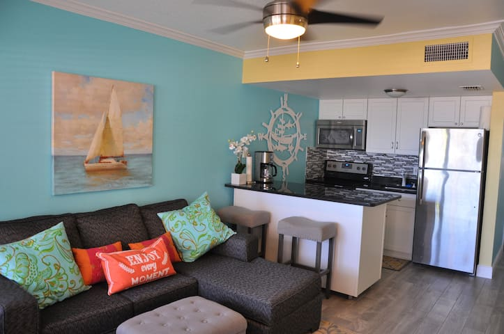 Sunset Beach Beauty 1 Bedroom Condo - Treasure Island - Condomínio
