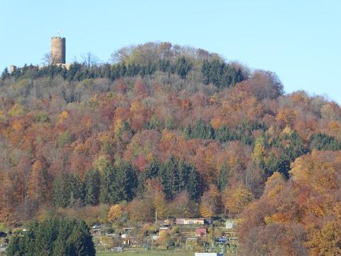 Weitblick zur Schwäbischen Alb/ Burg Staufeneck