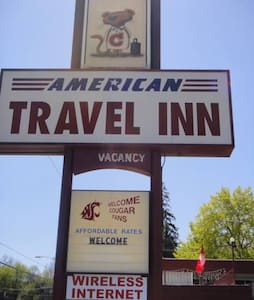 WSU Game Weekend - Downtown Motel - Pullman - Bed & Breakfast