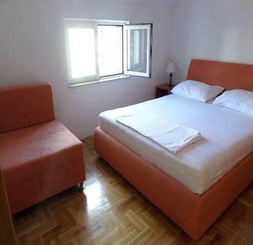 apartmani Katarina - Pirovac - Apartament