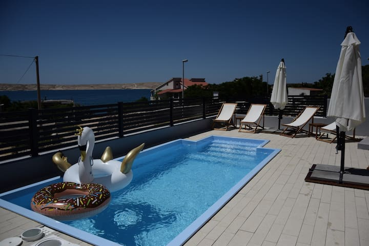 BELVEDERE Premium - for 4 persons with pool
