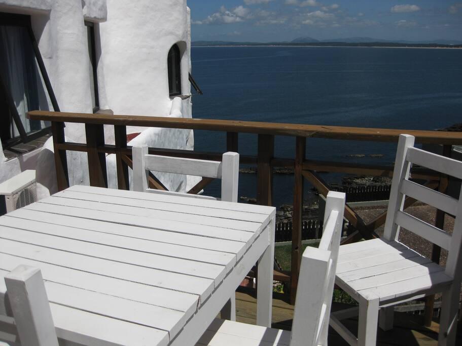 Balcon terraza con parrilla