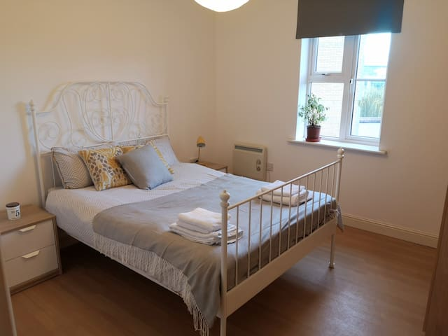 Lovely double bedroom in Bristol City Centre