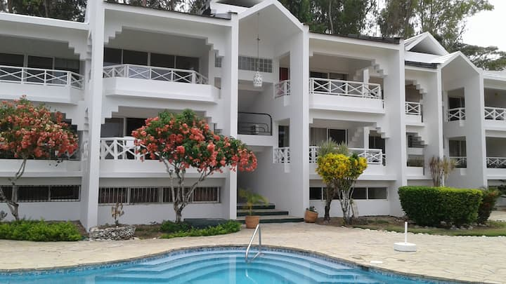 Sosua Condo , 5 minutes to airport or downtown