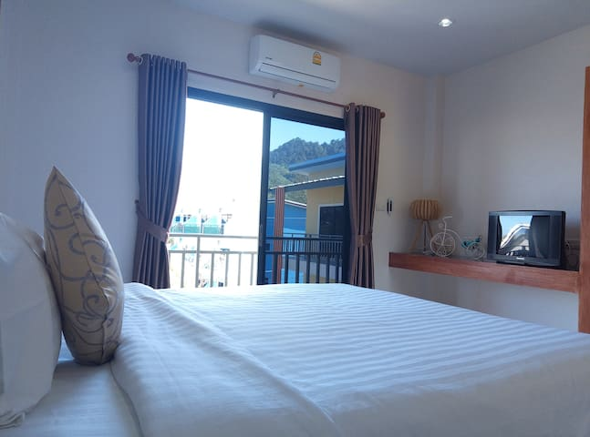 1 Bedroom Safety Place Clean Easy Walk to Beach@1