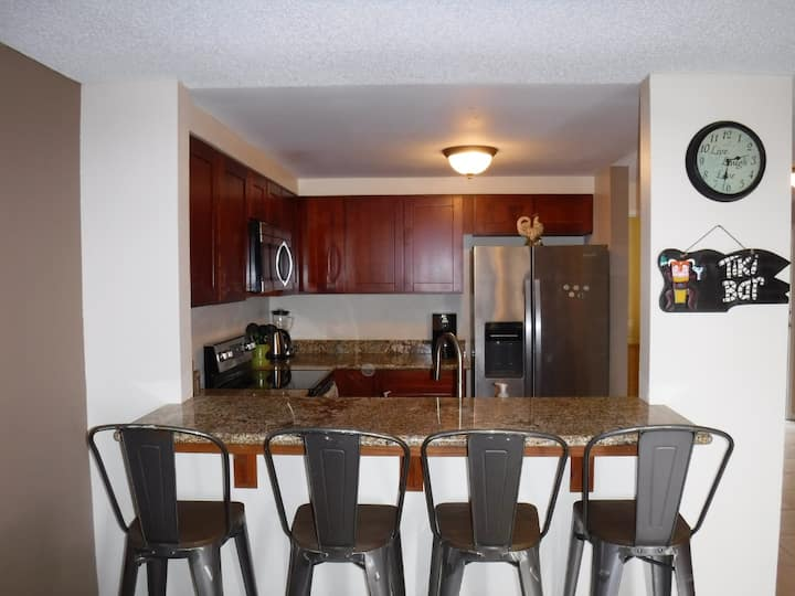 Across the beach. Fully furnished min 6 months
