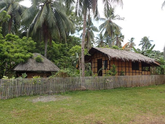 "samal island cottage, ""Banana"" house. WIFI."
