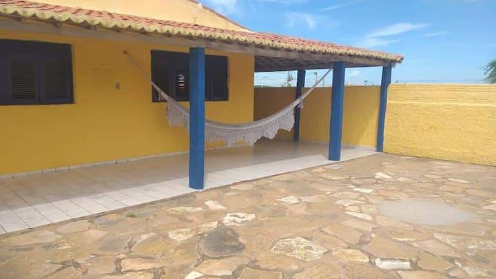 Casa de praia com ótima vista e localização