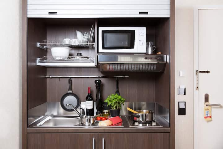 Monthly Premium Apartment with your own kitchentte and high speed WiFi