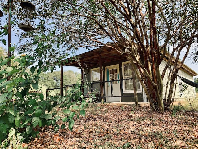 Mauthe's Milkmaid Cottage