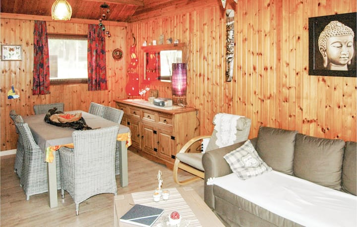 Holiday cottage with 2 bedrooms on 54m² in Somme-Leuze