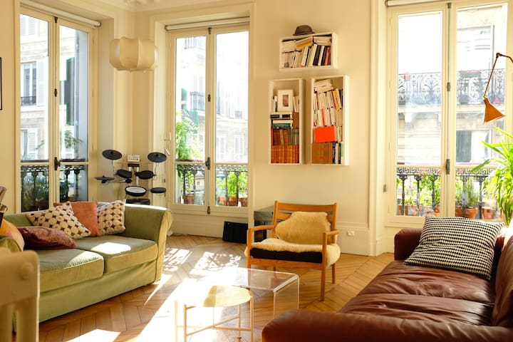 Charming 3 bedrooms flat below Montmartre - Paris - Apartamento