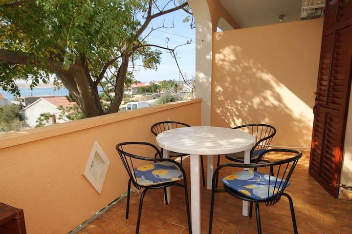 Appartamento di due stanze con terrazzo e vista mare Vidalici (Pago - Pag) (A-9382-b)