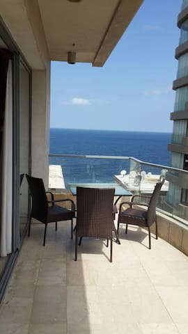 Cosy Studio with Terrace and Sea view - Beirut