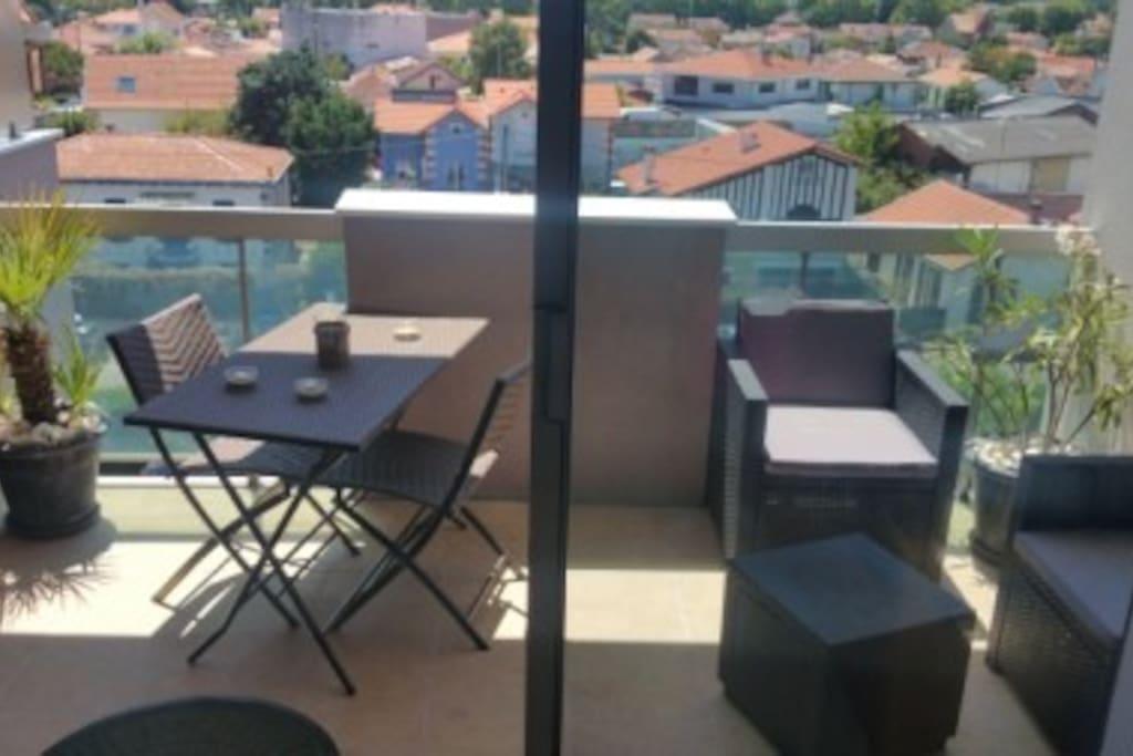 le balcon avec vue sur le quartier de l'Aiguillon et le port de la Teste