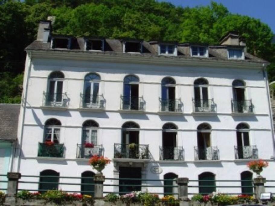 Appartement A Louer St Sauveur