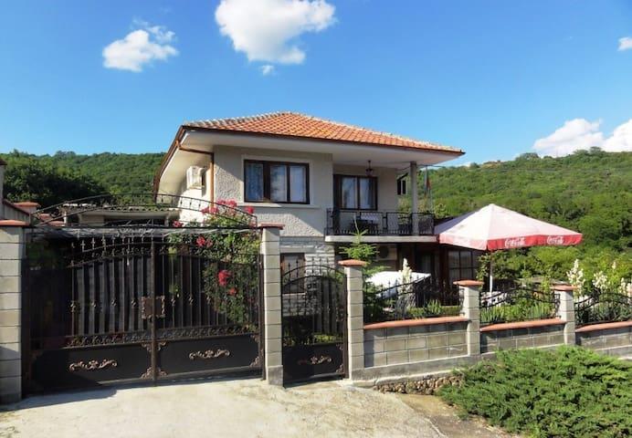 Villa DETELINA Balchik - Balchik - Villa