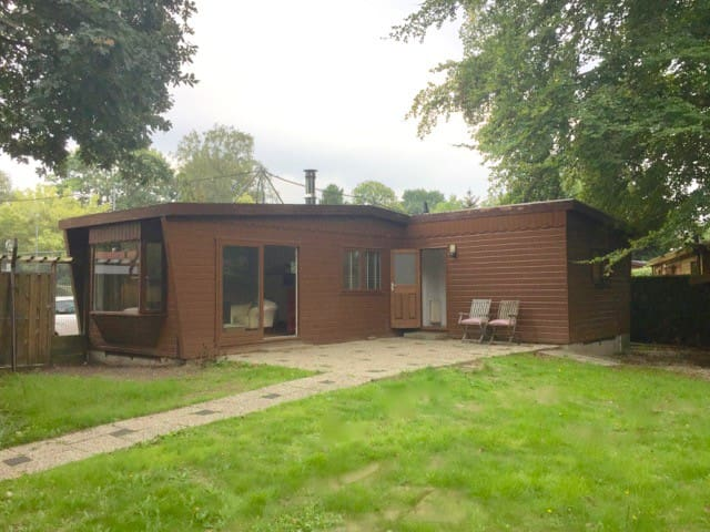 Cosy chalet in recreation parc in beautiful aerea.