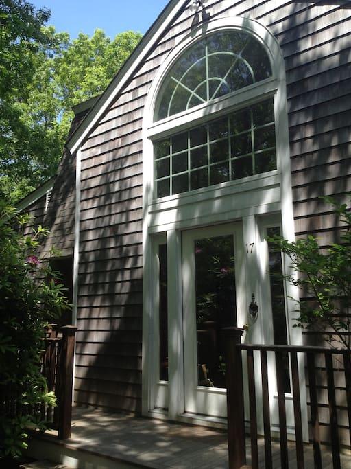 Secluded hamptons home with pool pernottamento e for Pernottamento new york
